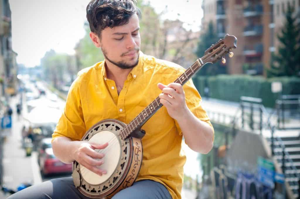 a man with a desire to play the banjo